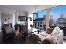 Stunning 2 bedroom plus den at Yaletown's popular City Crest tower